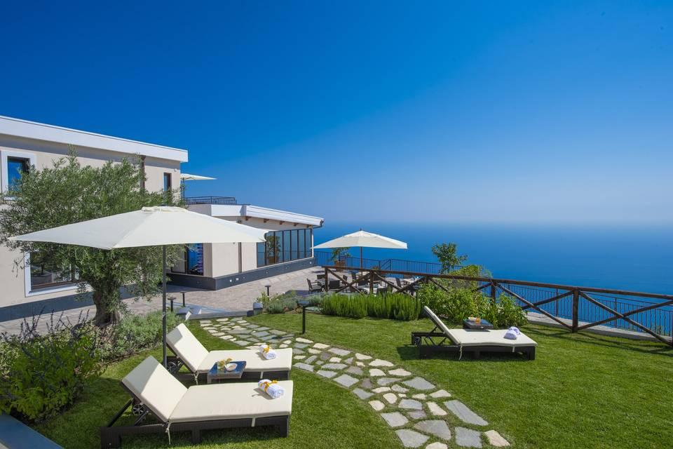 Villa Paradise Resort