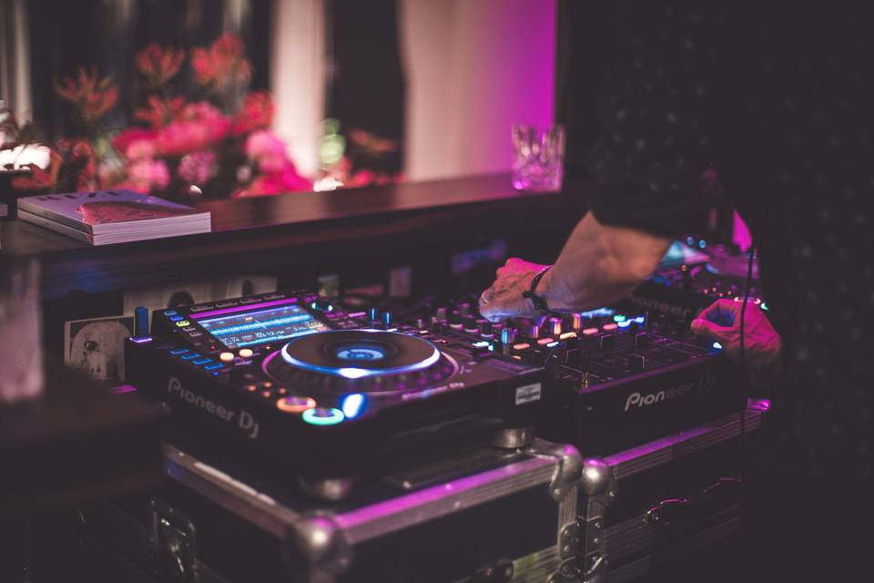 Music & DJ