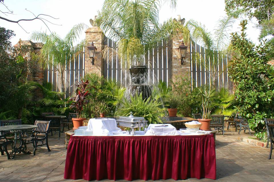 An outdoor buffet among the greenery