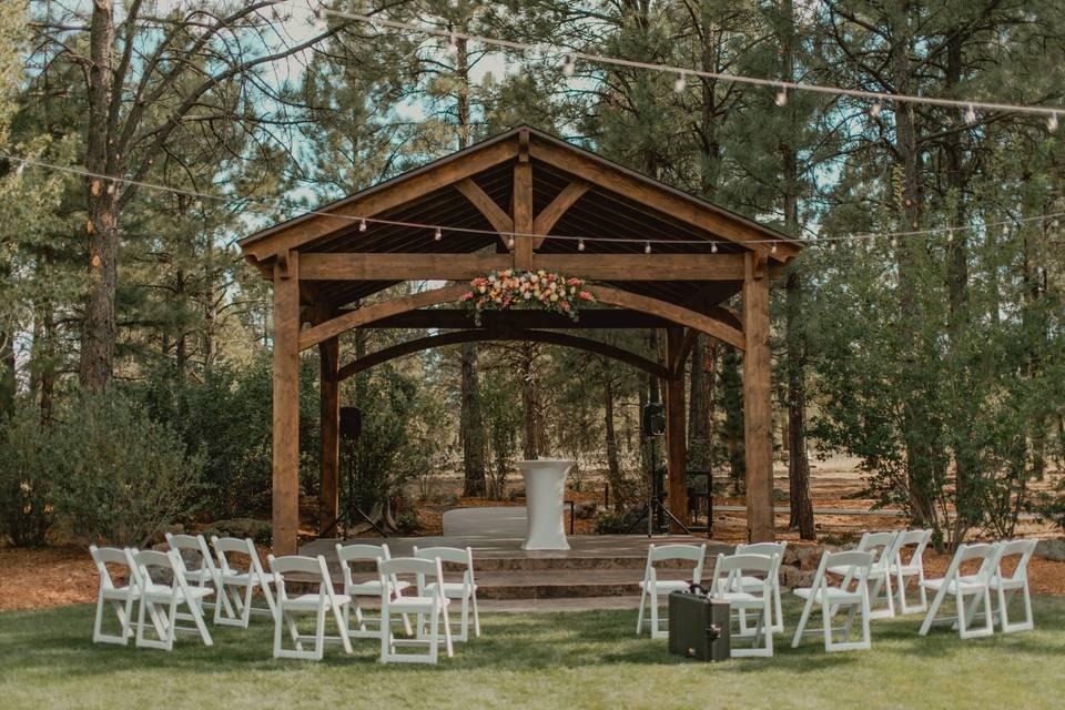 East Lawn Micro Wedding
