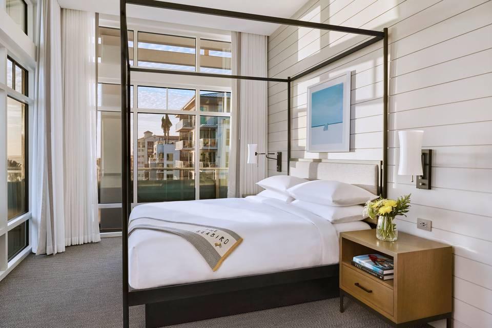 Grand Ocean Suite Bedroom