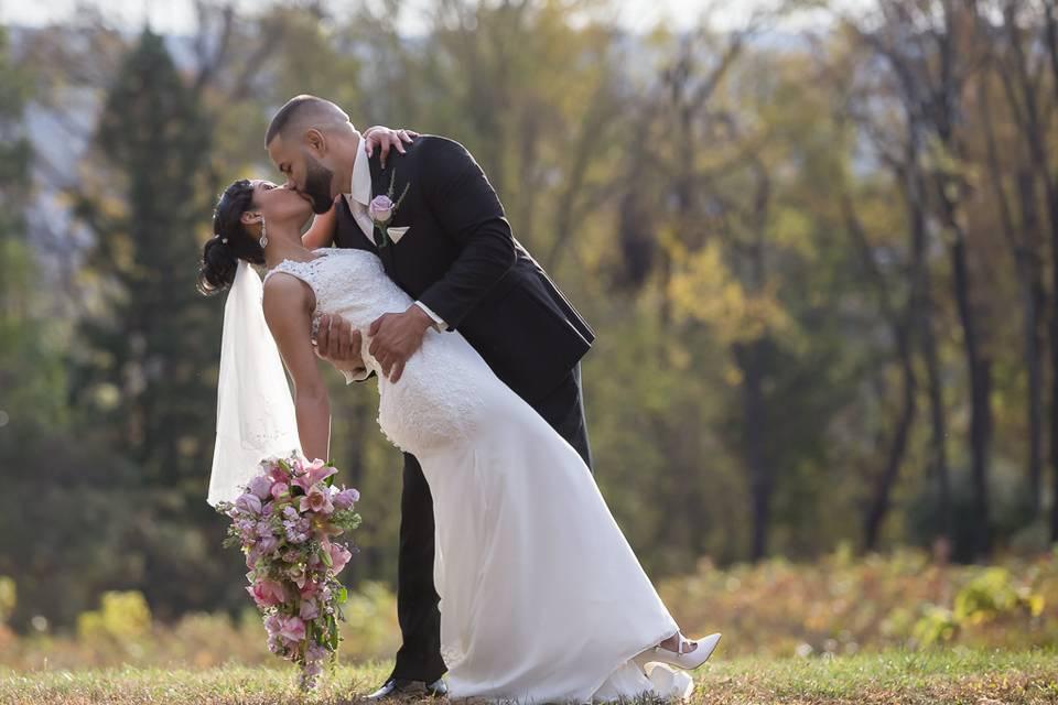 Dip kiss - Joe Cutalo Photography