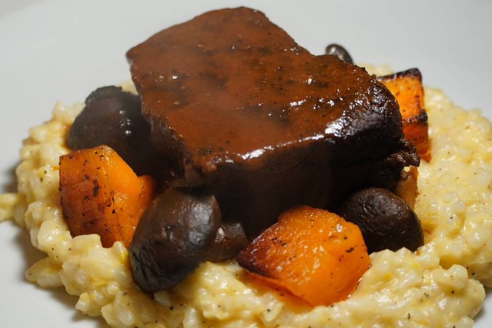 Short ribs with corn risotto