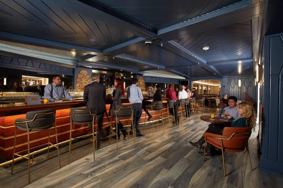 Sinatra bar and lounge