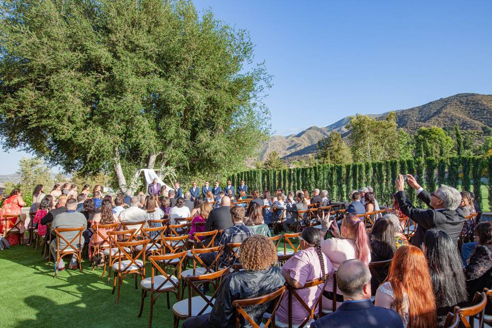 Crowd at a ceremony - Shannon King Photography