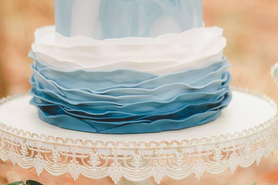 Blue motif cake