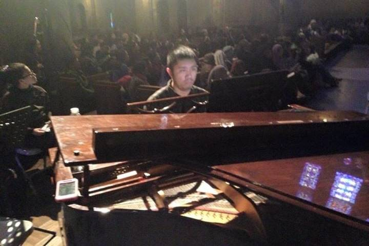 Live piano performances