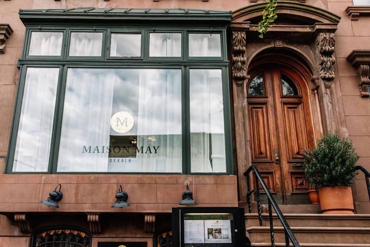 Maison May Dekalb