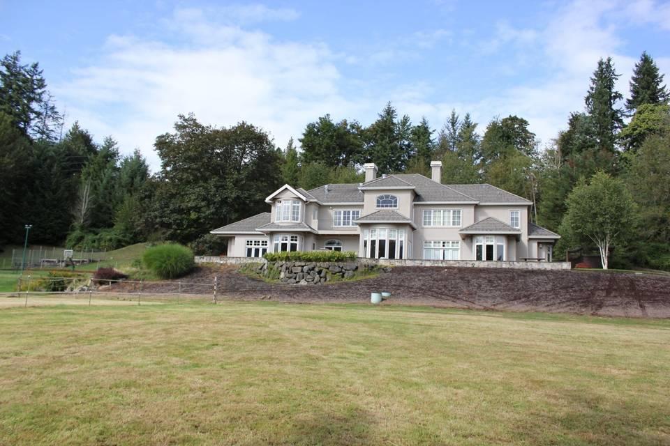 The Grand Ridge Manor