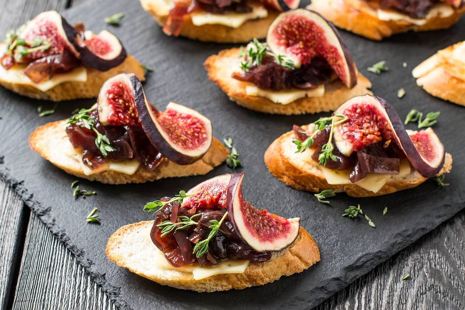 Fig crostini