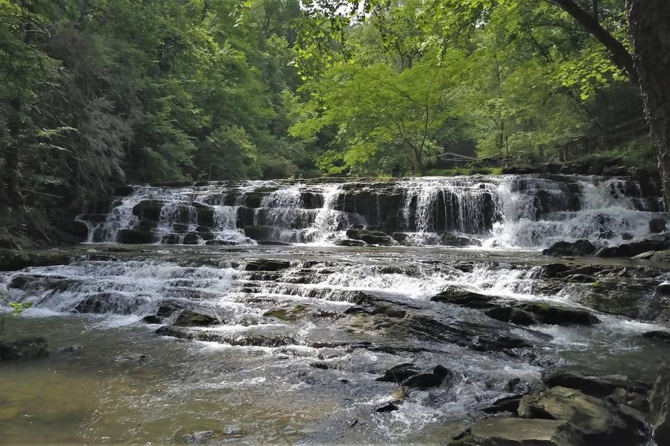 Friendly Falls Waterfall Weddings