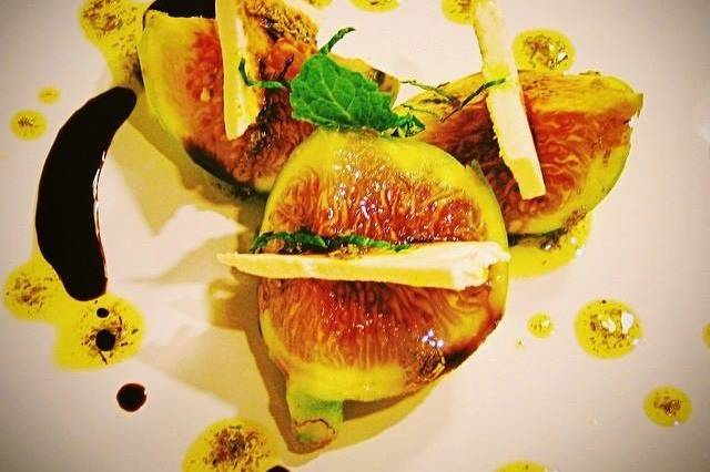 Fresh fig and ricotta salata