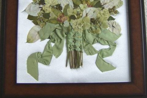 Flower Preservation by Waterford Past-Thymes