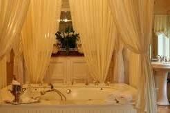 Honeymoon Suite Bathtub