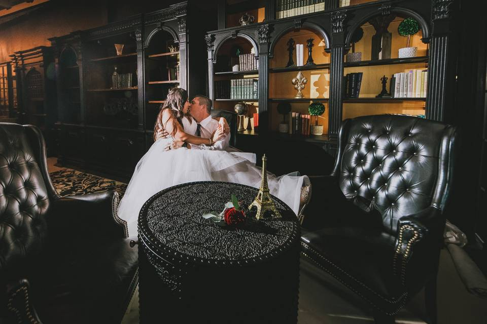 Groom's library