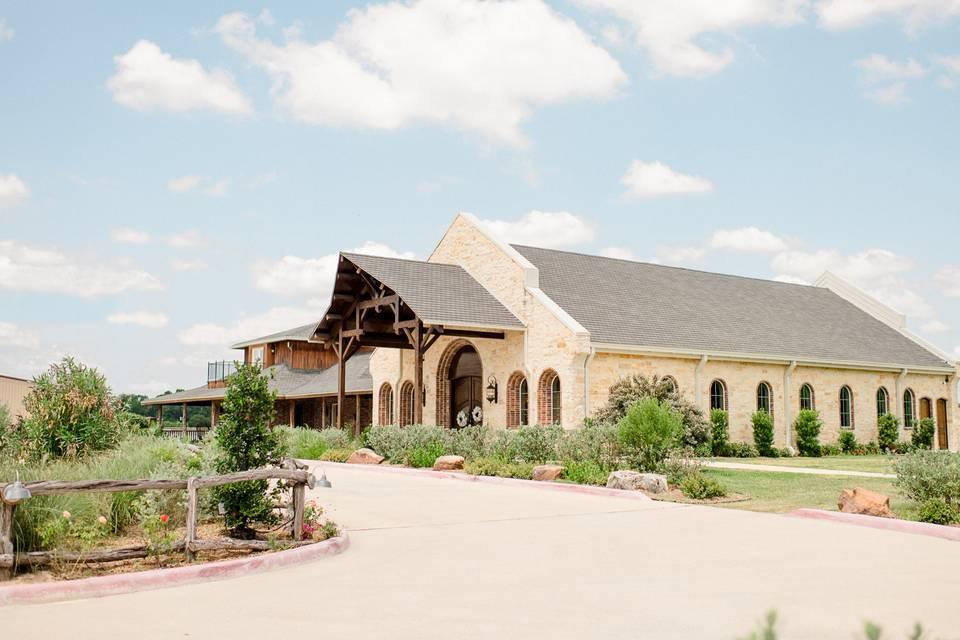 Lindsay Lakes Chapel