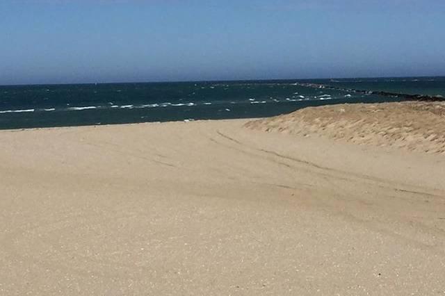 Sandbar at Jetties Beach