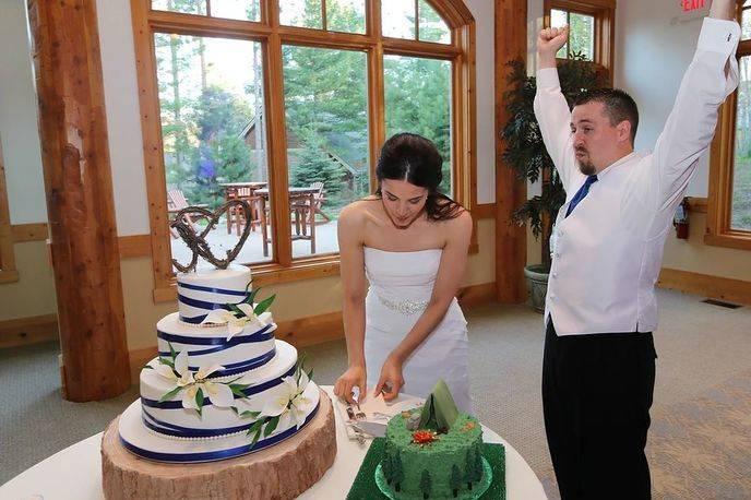 Surprise groom's cake