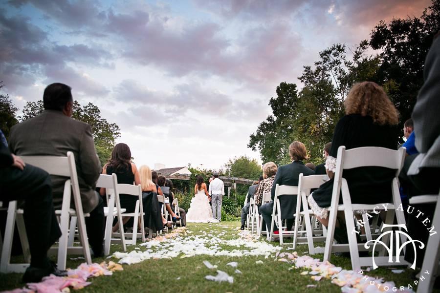 A circular lawn ceremony