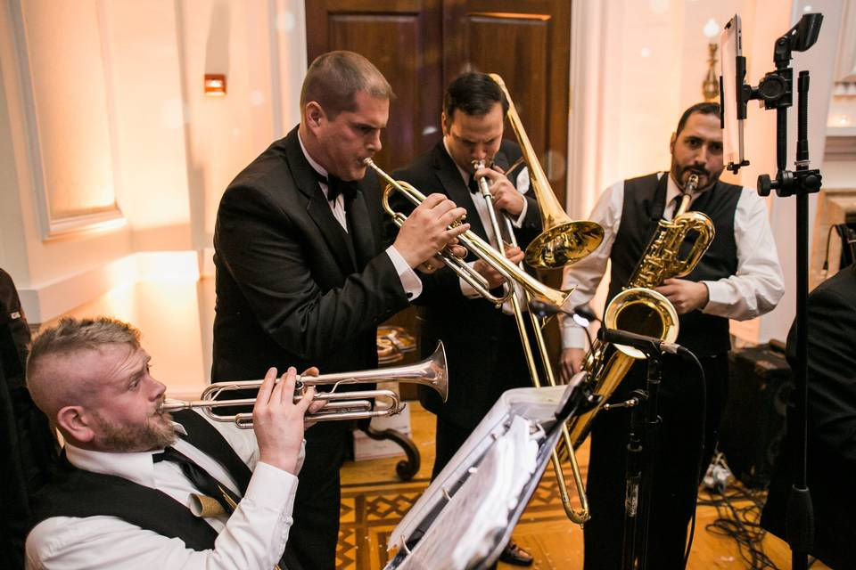 Brass quintet plays ceremony