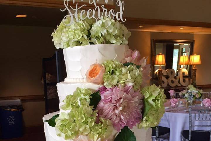 A magnificent wedding cake