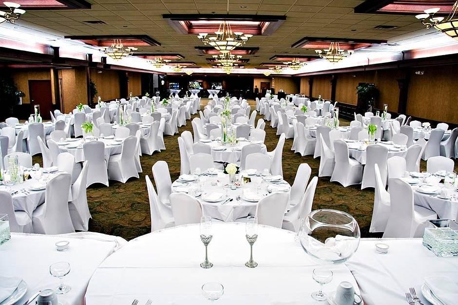 All white table setup