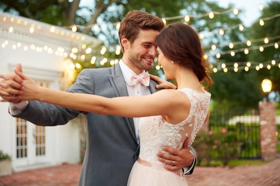 Eleganza Tuxedo & Bridal Gallery