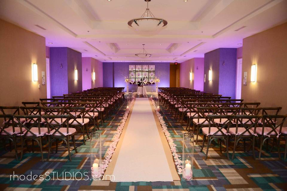 A beautiful one of a kind ceremony space with a long aisle at 1805 on the Boulevard located in the Walt Disney World Resort. Call 407-827-7066 for more information. | www.1805ontheBoulevard.com