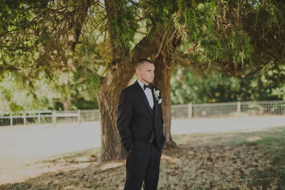 A waiting groom