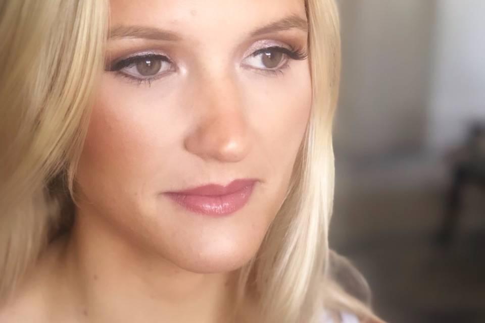 Contoured makeup look