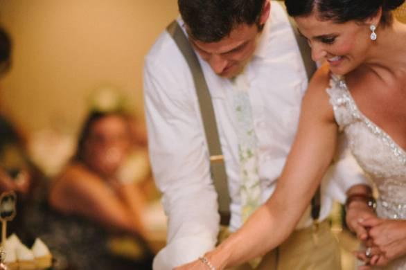 Cutting the wedding mega cupcake