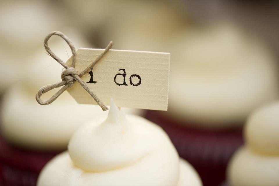 I do southern red velvet wedding cupcakes closeup