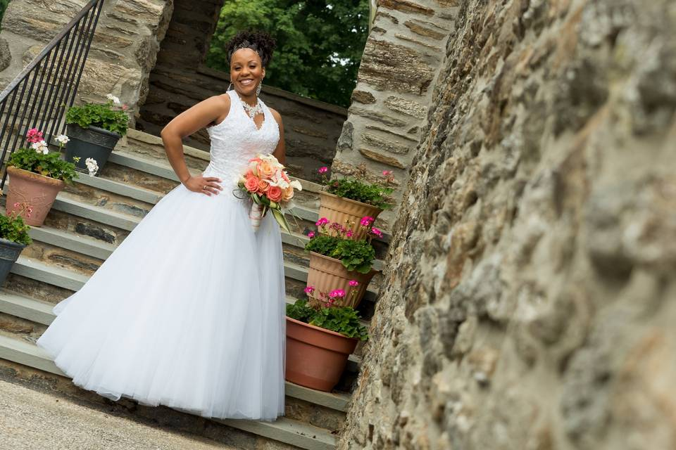 A radiant bride - Pictures by Todd Photography