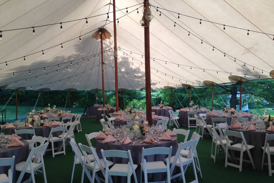 Event tent with rounds