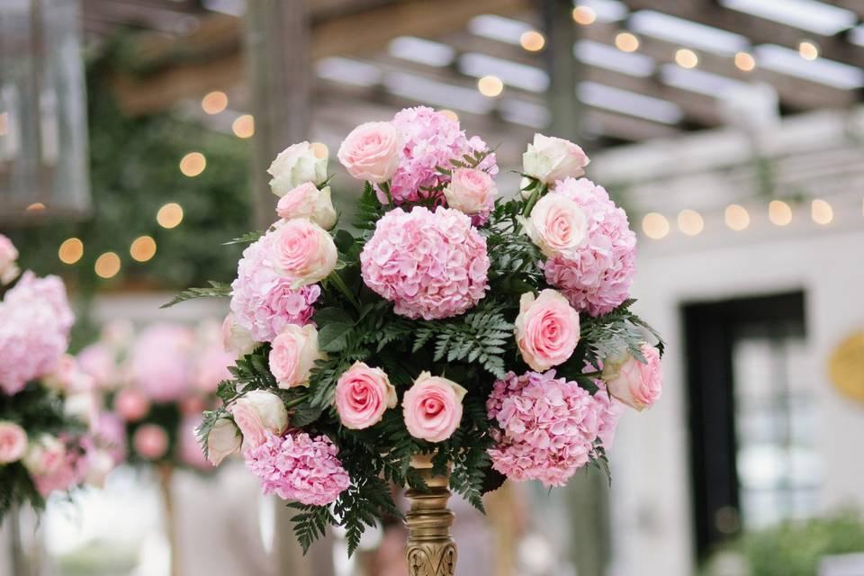 Pink flower tabler centerpiece