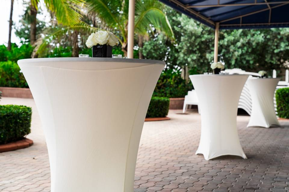 Outdoor Patio-Cocktail