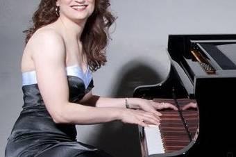Rebecca De La Torre