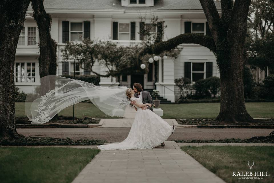 Swept up by romance - Kaleb Hill Photography