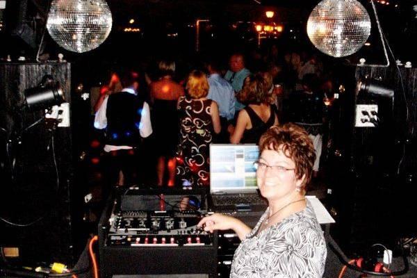 Set The Night To Music DJ's