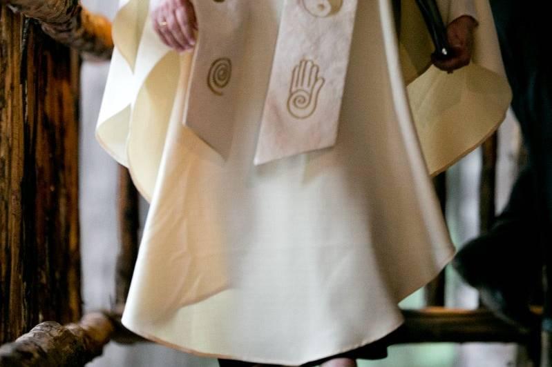 Rev. Judy Miller-Dienst ready to officiate the wedding.