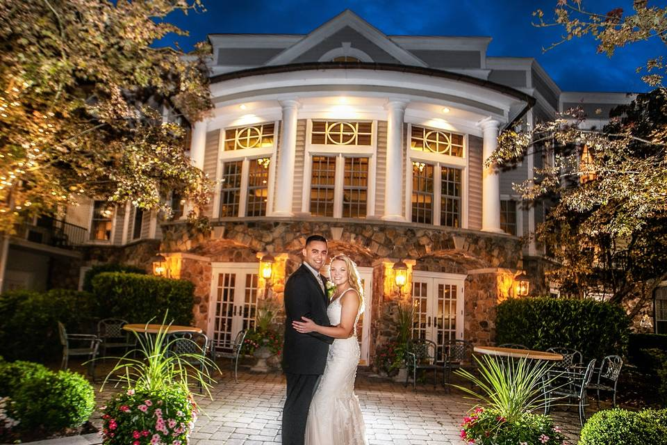 Courtyard Wedding at the Inn