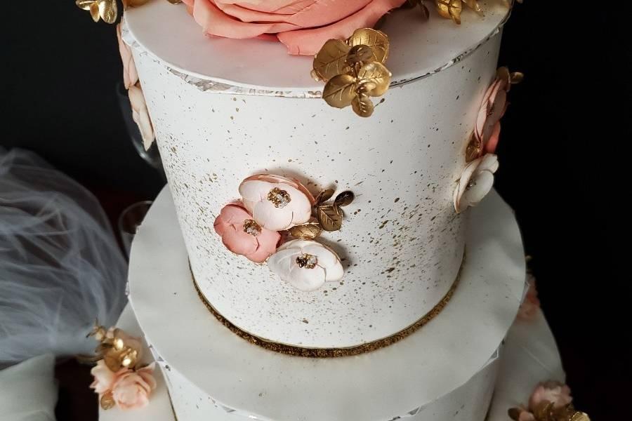 Details of golden rose box