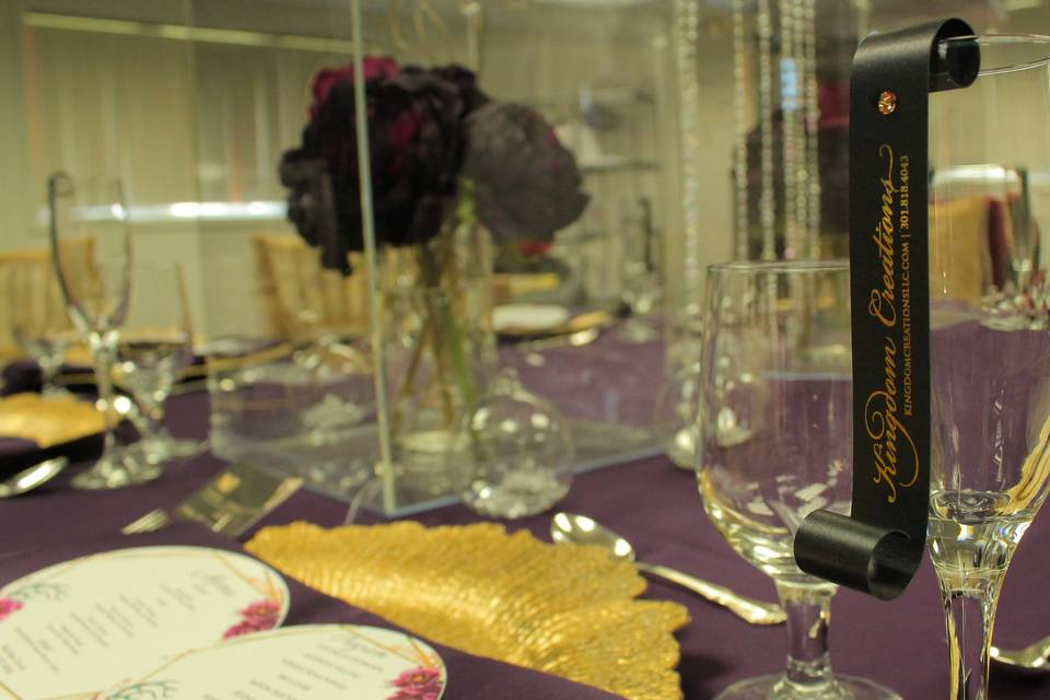 Table Placecards on Glasses