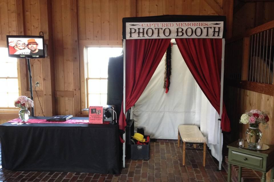 Captured Memories Photo Booth Kansas