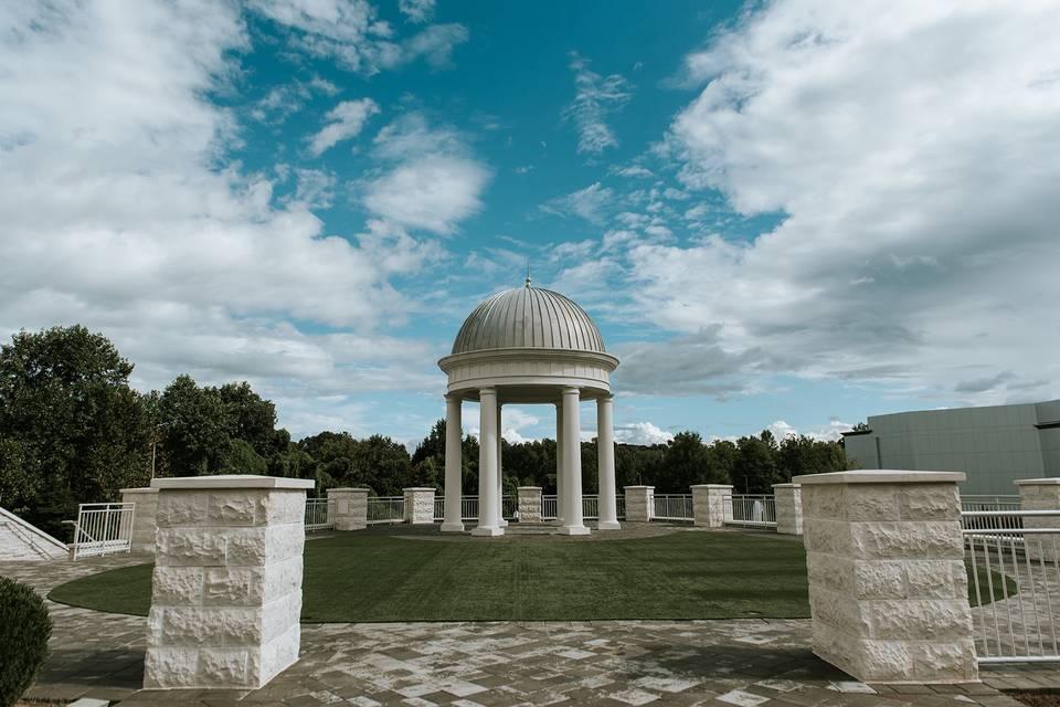 Terrace with the Italian rotunda
