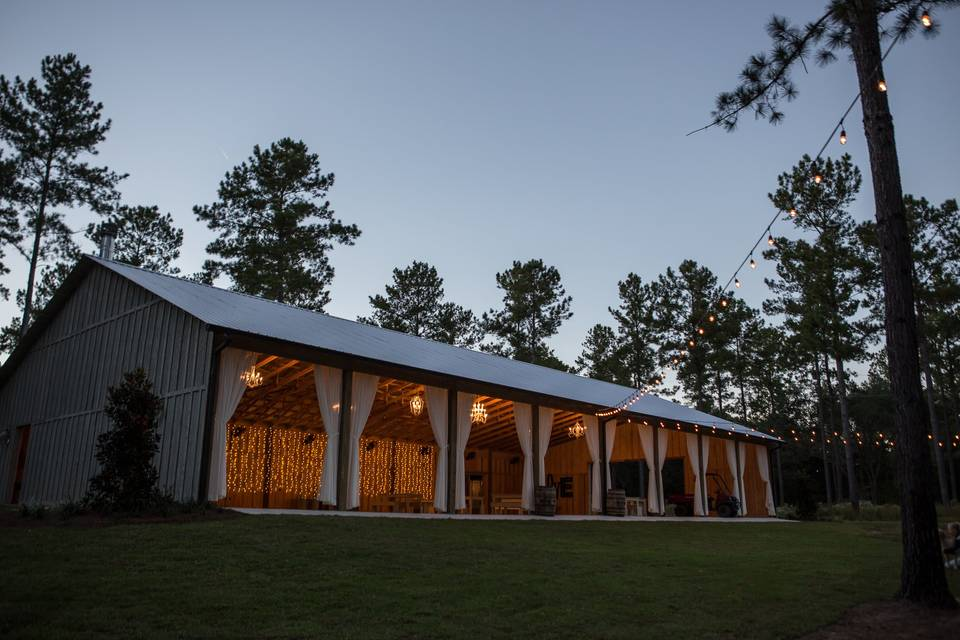 Loblolly Rise: Barn Weddings & Events