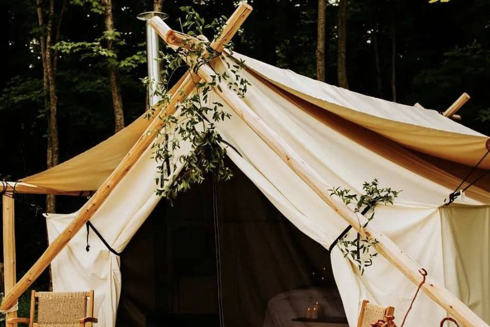 Tent decorated for wedding