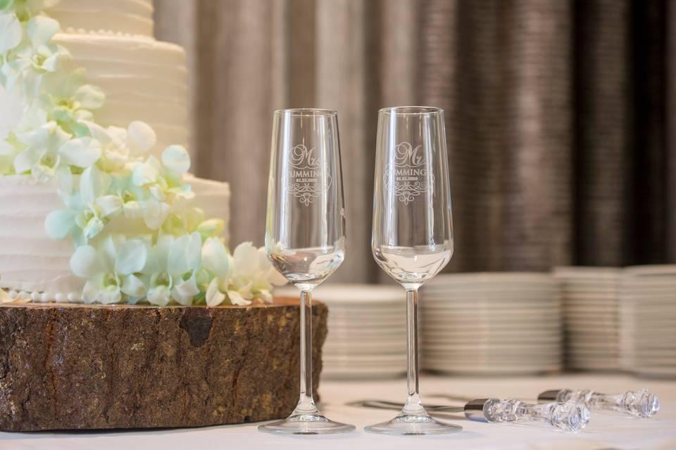 Wedding Cakes & Cocktails