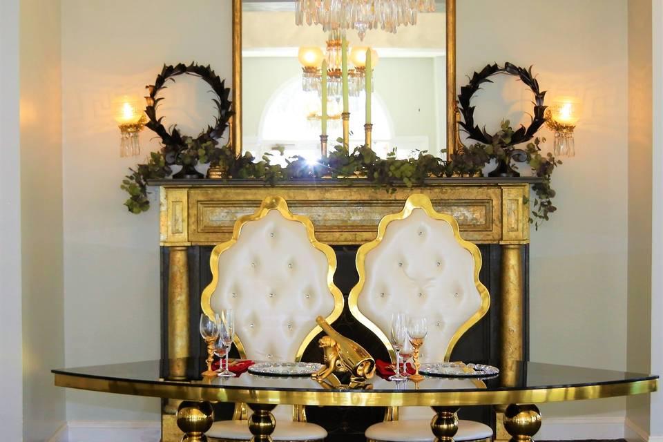 Serpentine sweetheart table