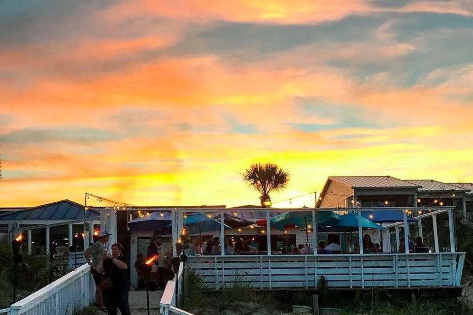 The Deck Beachbar and Kitchen